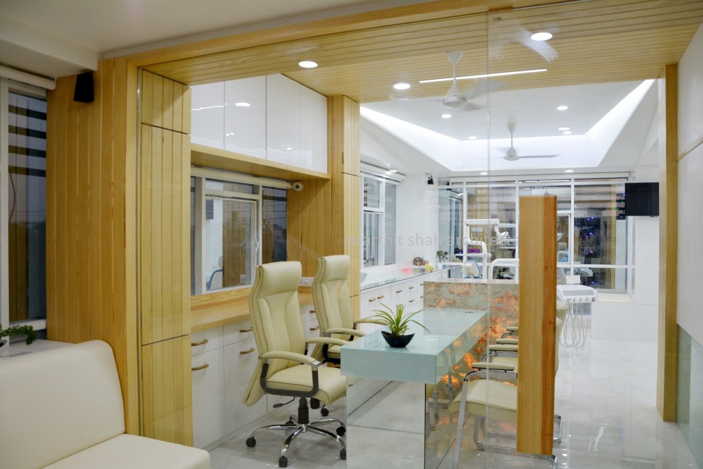 dental clinic architect and interior designer - prarthit shah