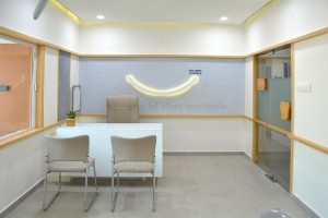 smile dental clinic @ gujarat, india by prarthit shah architects