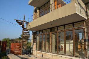 7.-Finishing-villa-aaranyak-making-15