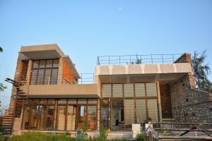 7.-Finishing-villa-aaranyak-making-17
