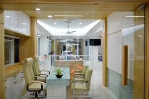 Roots dental clinic 7