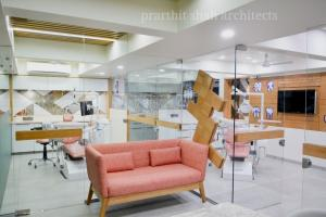 modern-dental--office--prarthit-shah-architects-3ed (1)