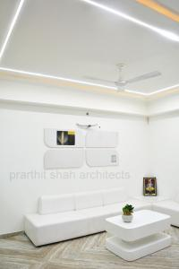 office-waiting-design-interior-gujarat---prarthit-shah-architects