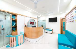 pediatric-dental-clinic-interior-at-jodhpur,-rajasthan--reception-design-8
