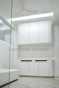 white-office-design-ahmedabad---prarthit-shah-architects